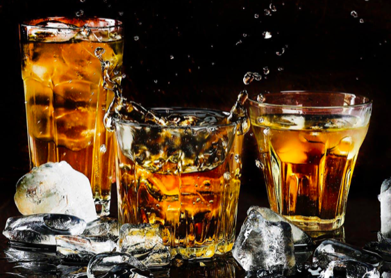 Whiskey Tasting Etiquette: 5 Super Tips