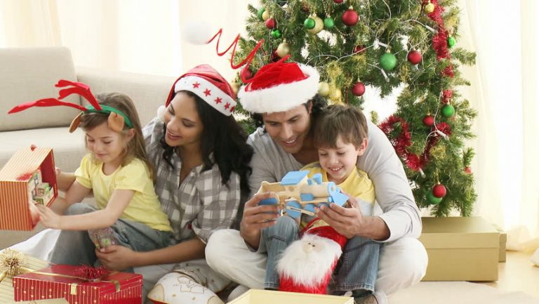 Christmas Gifts to Buy for Friends and Family