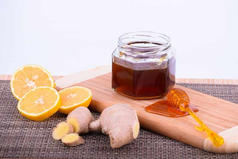 Benefits of Honey Lemon Water: Start Your Day With a Glass of It